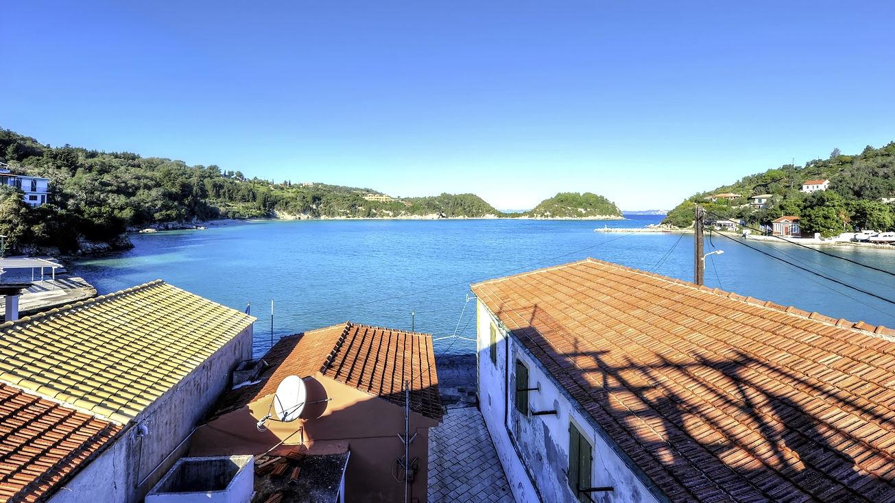 http://hotelilios.com/wp-content/uploads/DSC_0155_59_60_tonemapped_widehelios-hotel-paxoi.jpg