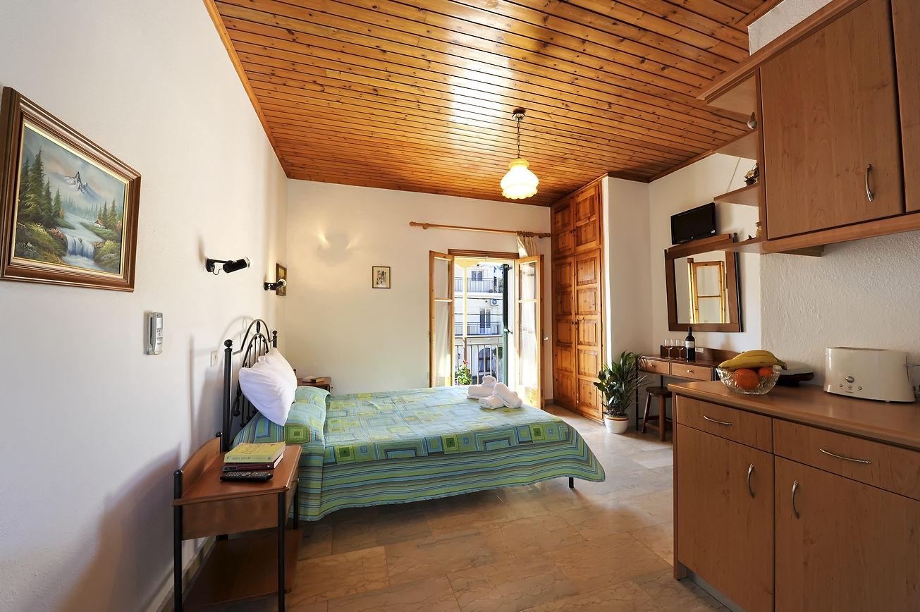 http://hotelilios.com/wp-content/uploads/DSC_0599helios-hotel-paxoi-1.jpg
