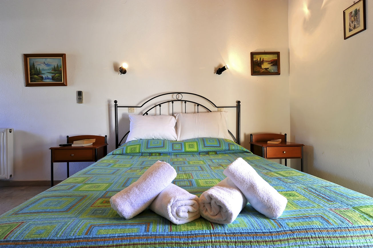http://hotelilios.com/wp-content/uploads/DSC_0605helios-hotel-paxoi-1.jpg