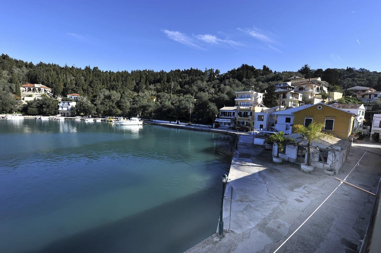 http://hotelilios.com/wp-content/uploads/DSC_0645helios-hotel-paxoi-1.jpg