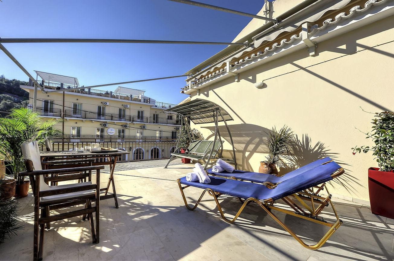 http://hotelilios.com/wp-content/uploads/DSC_0693_8_9_tonemappedhelios-hotel-paxoi-1.jpg
